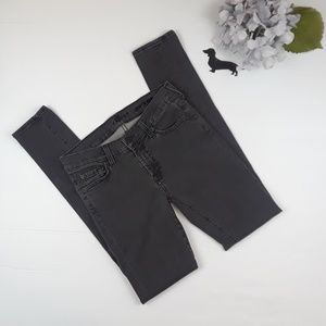 7 For All Mankind gwenevere skinny jean. Sz 27.